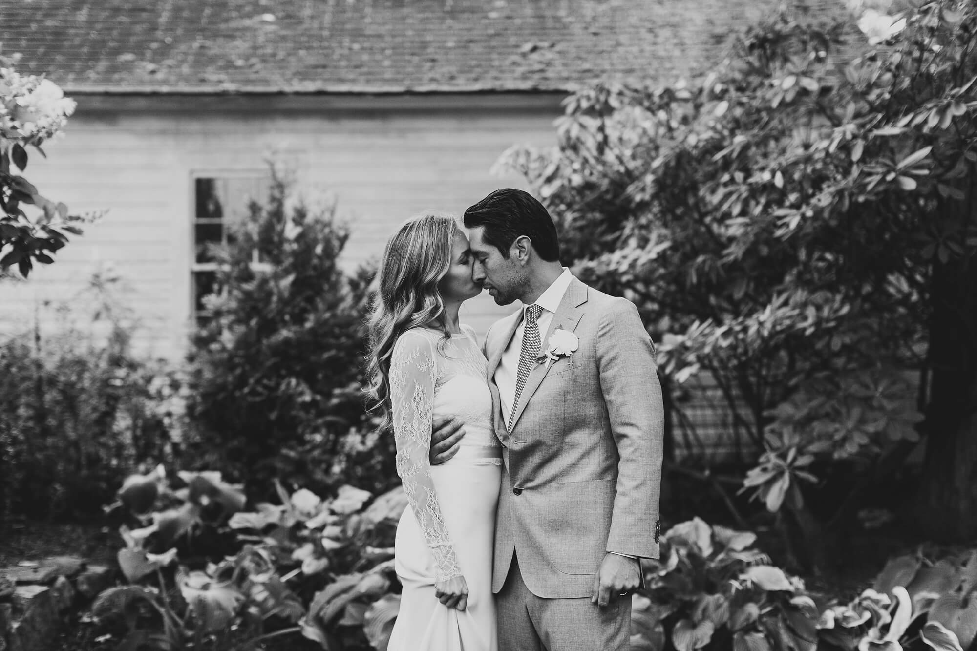 ct-intimate-backyard-wedding_0235