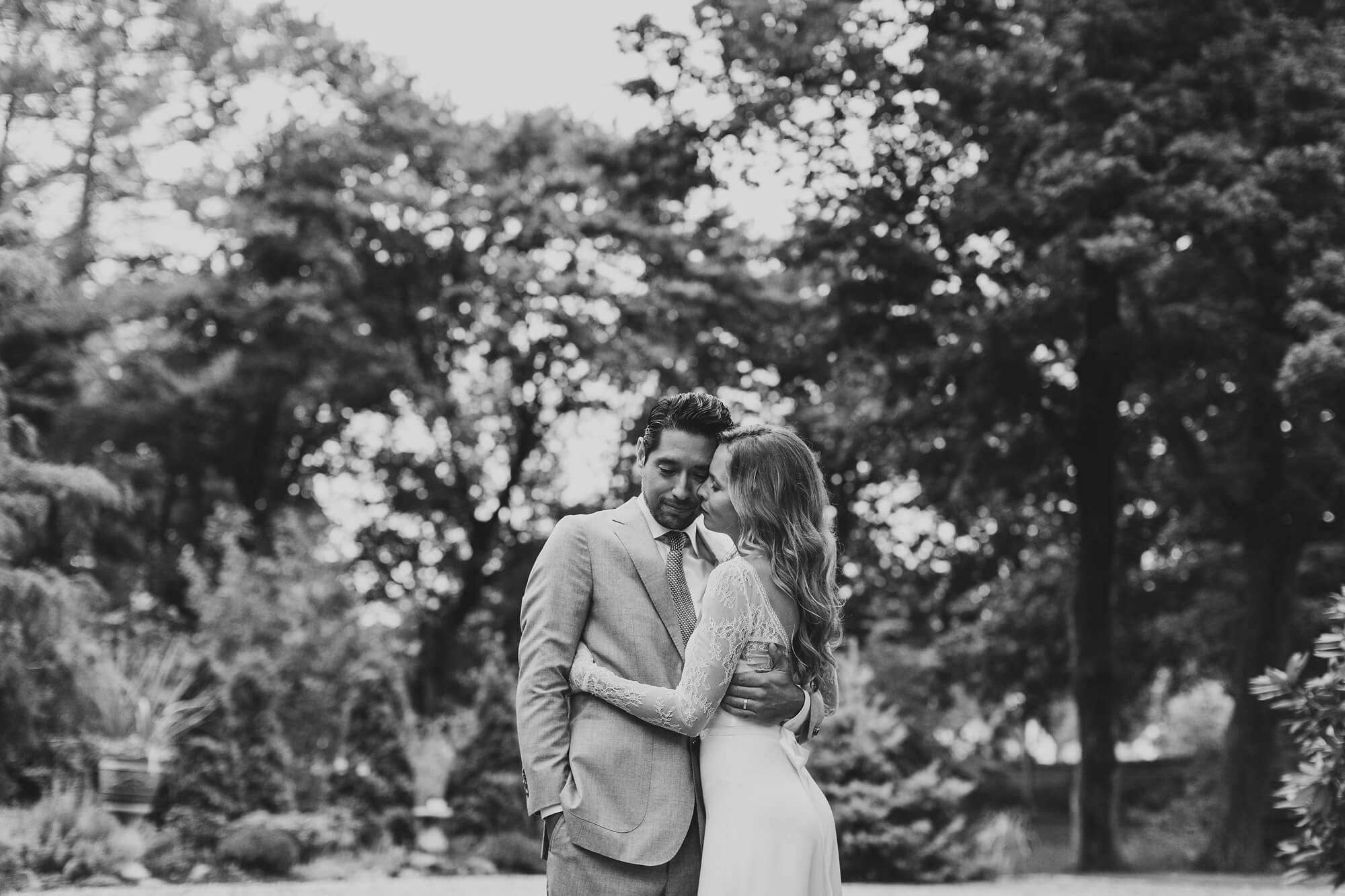 ct-intimate-backyard-wedding_0240